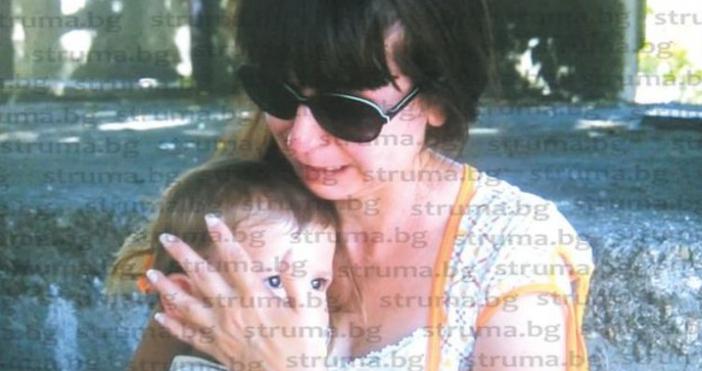 Снимка Струма.бгДесетина били кучетата, които нападнаха майка с малко дете