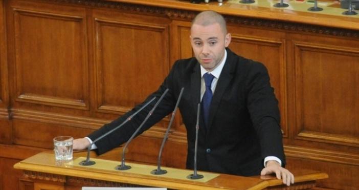 Снимка: Александър Ненков е новият заместник на Бойко Борисов във ГЕРБ