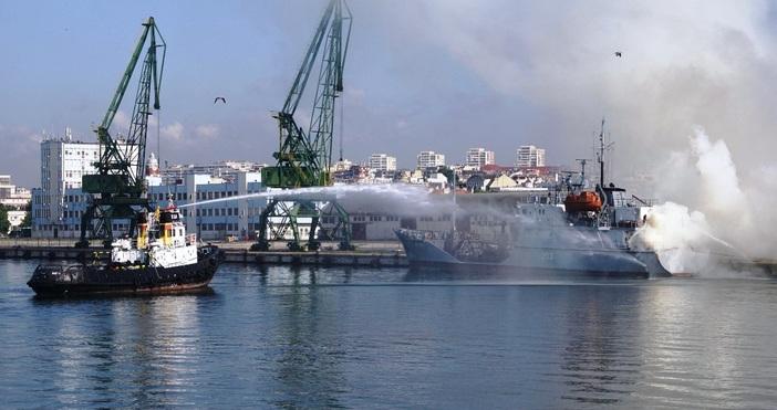 """снимки: БулфотоОт борда на фрегата """"Верни"""", гостите на учениетои представителите"""