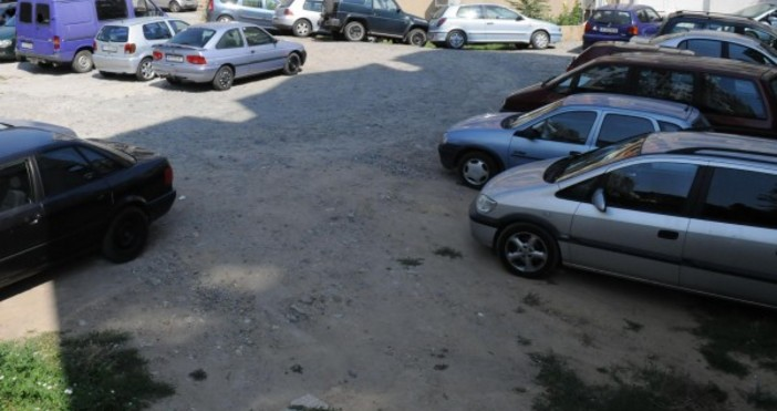 24chasa.bgВъвежда се регистрационен режим за автосервизитеПипаш километража на колата -