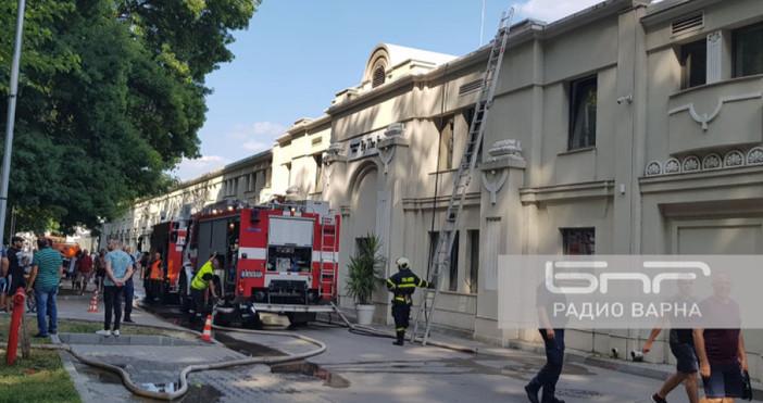 Снимка Радио ВарнаЕкип на пожарната изгаси пожар, възникнал в заведение