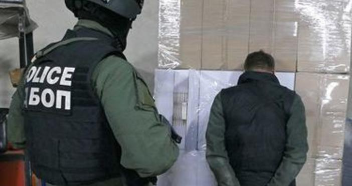 iNewsснимка: МВРОсвен с разпространение на дрога, групата наказвала дилъри, които