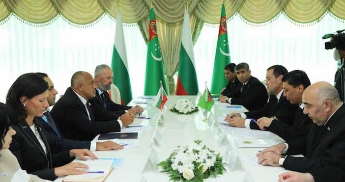 Снимка БулфотоПолзотворният диалог и постигането на конкретни нови договорености междуБългария