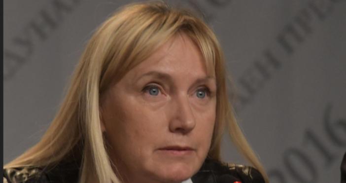 Снимка: От последните минути! Съдът излезе с решение за делото за клевета срещу Елена Йончева. Тя е