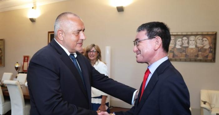 Снимки: Правителствената информационна службаМинистър-председателятБойко Борисовсе срещна с министъра на външните