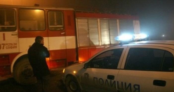 bTVснимка: БтвПожарнажп линиякрай Русе спря движението навлаковете.Пламнали са сухи треви