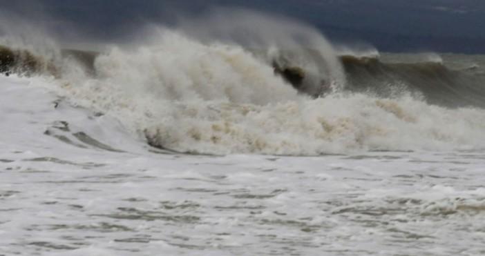 Снимка: Спасители: Не подценявайте опасностите, които крие морето