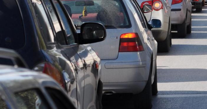 Поредна катастрофа предизвика километрично задръстване на магистрала