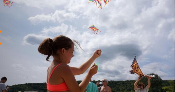 Снимка: БулфотоМеждународнияt фестивал на хвърчилата продължававъв Варна, припомня Moreto.net. Тази