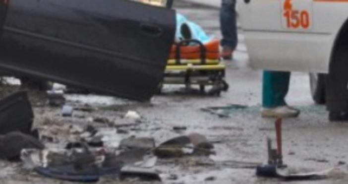 Снимка: Тежка катастрофа край Новачене: Един загина