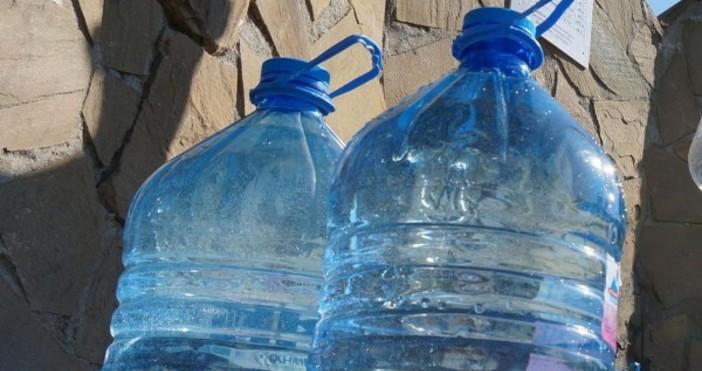 Снимка Булфото, архивМикропластмасата в питейната вода представлява