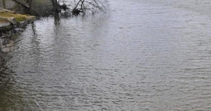 """50-годишен мъж от Кюстендил се е удавил язовир """"Дренов дол"""