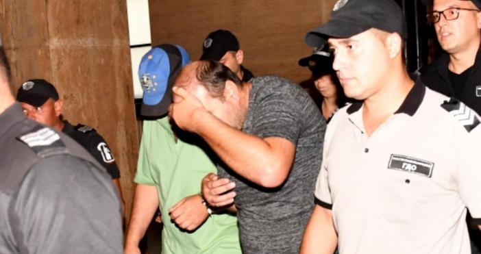Източник и снимки: БулфотоСофийски градски съд остави в ареста двамата
