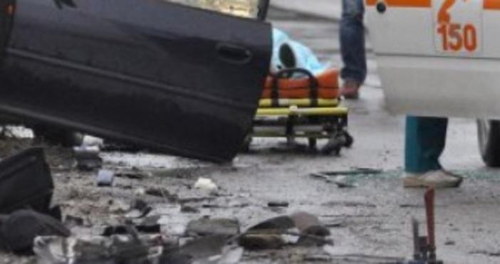 Снимка Булфото12-годишно момче е починало при катастрофа на пътя Казанлък