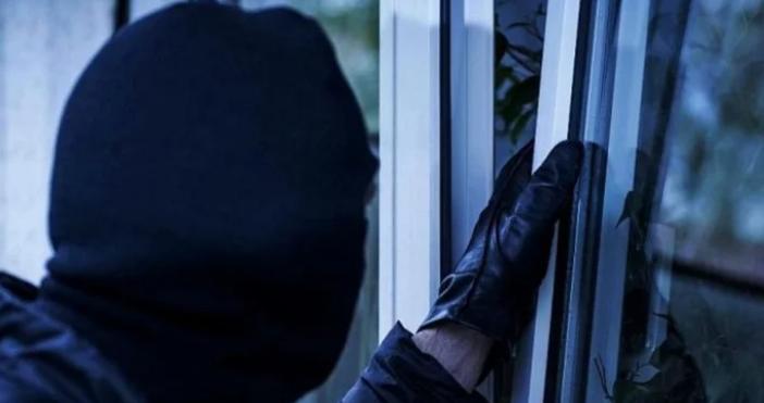 34-годишен крими герой от Бургас издърпа златния синджир на жена