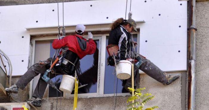 Снимка: 2220 сгради санирани досега в България