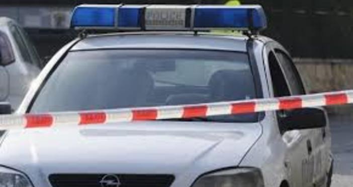 Пиян шофьор се заби с колата си в магазин в