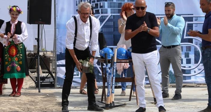 На тържествена церемония във Варна беше направена първата копка на