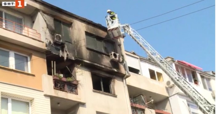 БНТВъзрастен мъж от Русе загина при пожар в дома си.