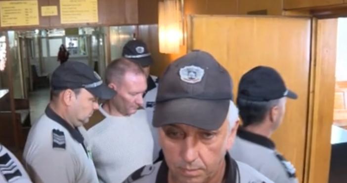 Кадър: БТВНови разкрития за пастора в Сливен – екип на
