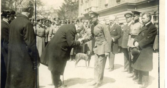 На 22 срещу 23 септември 1923 г. избухват бунтове в