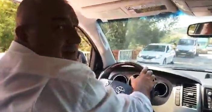 Борисов кара джип из нивите, защото вече не кара влака