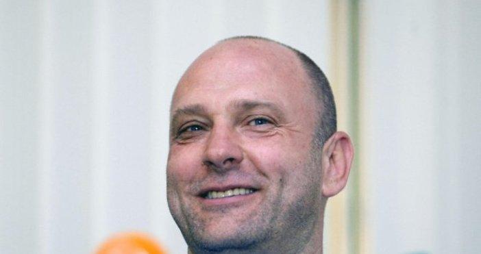Старши треньорът на Левски Лукойл Константин Папазов бе емоционален да