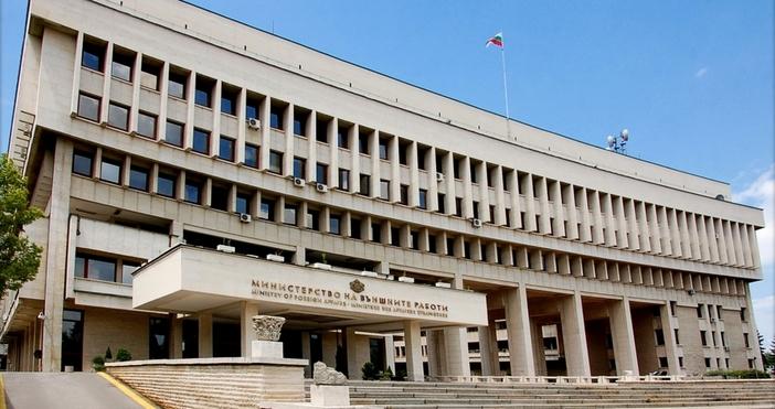 Няма данни за пострадали и български гражданинападението с ножв търговски