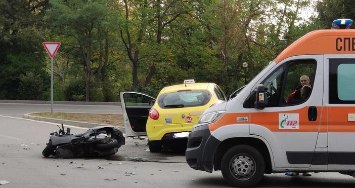 Автор: Любомир Бенковски-Бенджи, БулфотоТежка катастрофа стана преди минути на булевард