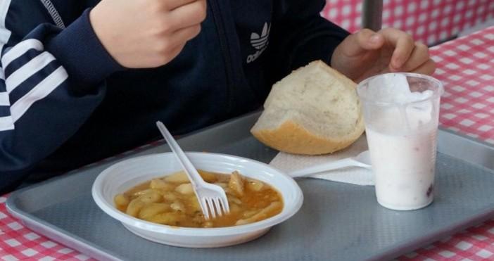 Снимка БулфотоБългарската агенция по безопасност на храните (БАБХ) провери 2462