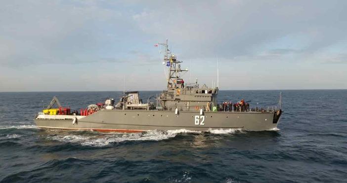 Снимка:maritime.bgДва кораба от състава на Военноморска база Бургас бяха изпратени