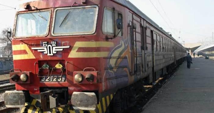 Снимка: Възстановява се движението на временно отменените влакове в страната