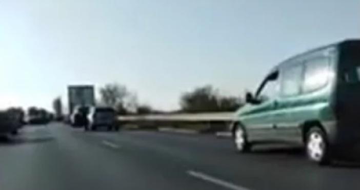 Страшен пътен инцидент е станал около 16.25 часа на пътя