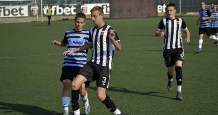 Локомотив (Пловдив) отстраниЧерно мореи се класира за 1/4-финалите от турнира