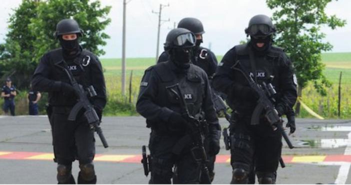 Снимка:БулфотоЗасилено е полицейското присъствие в Своге и околните населени места.