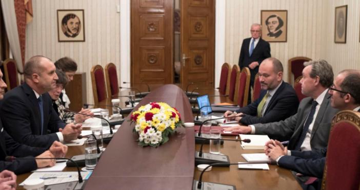 ПрезидентътРумен Радевизрази висока оценка за препоръките в областта на върховенството