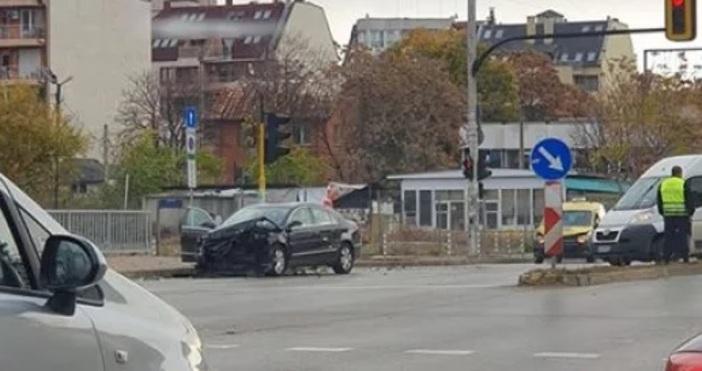Снимка БлицТежка катастрофа е станала на кръстовището на бул.