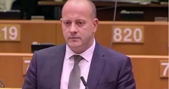 Видео дебат с участието наРадан Кънев е публикуван в личната