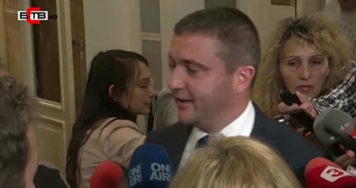 Финансовият министър Владислав Горанов стана поредният представител на властта, който