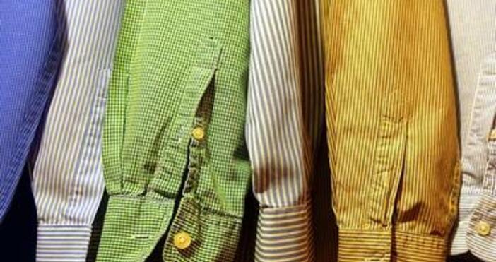 Скъпи бутици изкупуват най-хубавите дрехи и аксесоари от магазините за