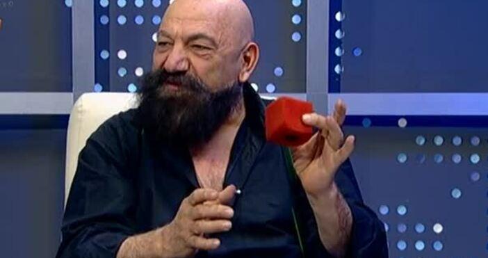 Астор (Антраник Арабаджиян),илюзионистТой е единственият илюзионист в Европа, който е