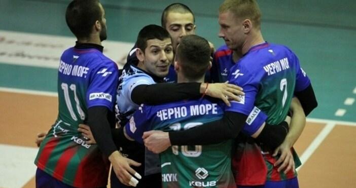 Отборът наЧерно море- БАСК записаха втори успех въвволейболното първенство при