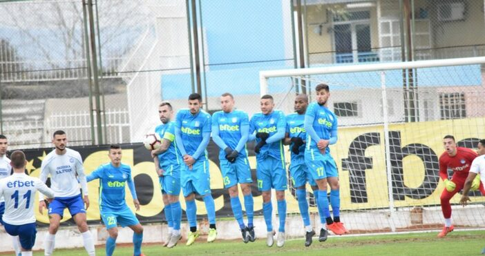 Снимка:KotaSport.comВсички треньори и футболисти на ОФК Поморие са били разпуснати,