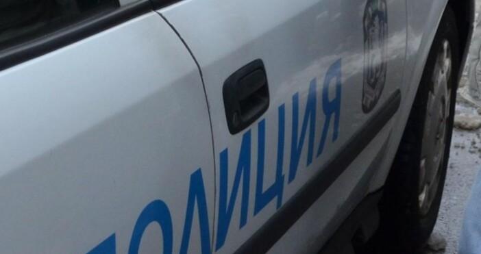 50-годишен мъж е задържан, след като нанесъл побой на майка