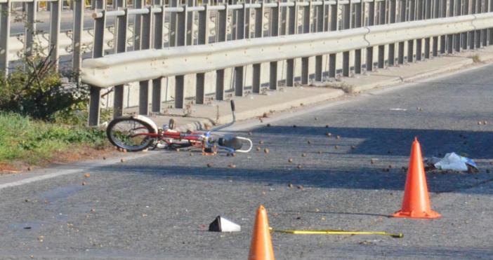 Снимка БулфотоОще не е заловен шофьорът, блъснал и убил велосипедист