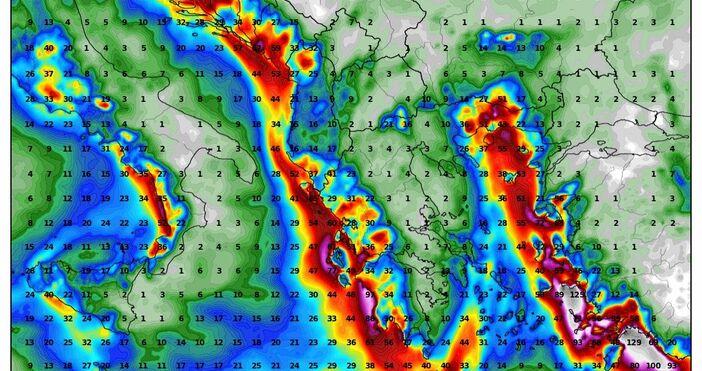 Изображения wxcharts.comОбширен циклон определя опасно време в централната част на