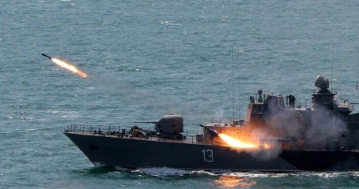 Снимки: ВМСДнес се навършват 29 години от вдигането на военноморския