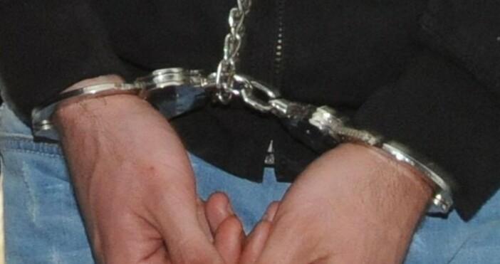 Снимка БулфотоСедем души са задържани в Котел за притежание на
