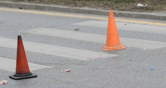 Дете е блъснато от лек автомобил на пешеходната пътека в