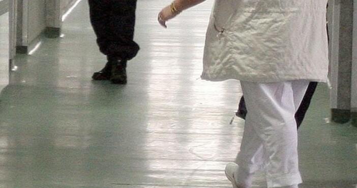 Снимка: архив, БулФото Почина един от пациентите със свински грип